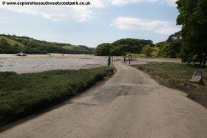 The tidal road near Milburn Orchard